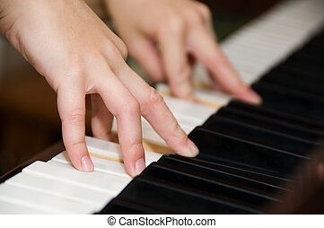 chiavi, pianoforte, mani
