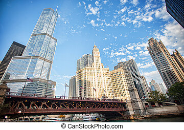 Chicago attracts us with its beautiful buildings