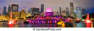 Chicago skyline and Buckingham Fountain - Chicago skyline...