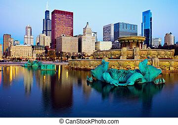 chicago, skyline, weerspiegelde in, buckingham fontein