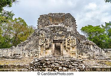 chicanna, pyramide, ruines, maya, mexique
