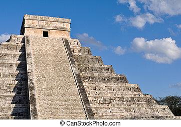 Chichen Itza Ancient Ruins in Mexico are a popular tourist ...