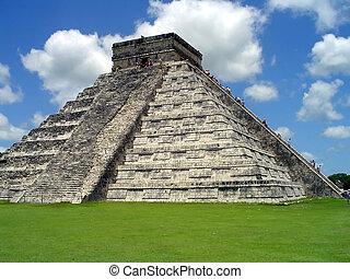 chichen itza castillo - El Castillo, Chichen Itza, Yucatan,...