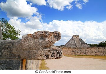 Chichen Itza Jaguar and Kukulkan Mayan temple pyramid Mexico...