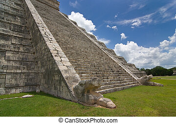 Chichen itza pyramid detailed view of stairs