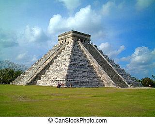 chichenitza temple, mexico
