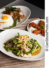 Chicken and Asparagus Thai Dishes