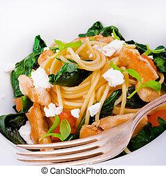 Chicken spinach pasta