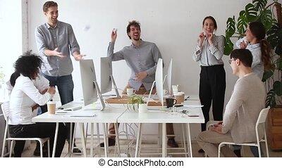 chiffonné, balles, bureau, lancement, ouvriers, papier, amusement, divers, avoir, heureux