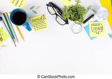 chiffonné, fleur, tasse, fournitures, bureau, papier, sommet, bureau, lunettes, tampon, note, arrière-plan., vert, verre, vide, table, blanc, stylo, magnifier, vue