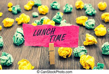 chiffonné, photo, milieu, papier, petit déjeuner, avant, rose, écriture, note, time., tenue, papiers, plusieurs, business, pince, projection, après, déjeuner, jour, tries., dîner, showcasing, repas