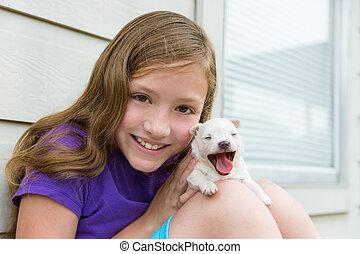 chihuahua , κατοικίδιο ζώο , σκύλοs , κορίτσι , κουτάβι , παίξιμο