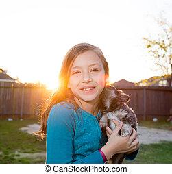 chihuahua , σκύλοs , παιδιά , κορίτσι , κουτάβι , παίξιμο , παιδί