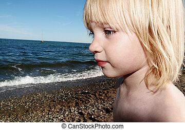 child holiday seaside