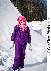child outdoor in winter time