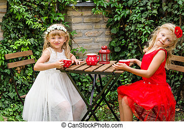 children in picnic