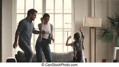 children., jonge, dancing, muziek, getrouwd, gelukkig paar