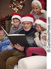 Children love when their father reads them
