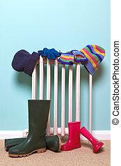 childrens, chapéus, luvas, e, wellies, por, radiador