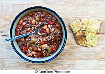 Chili  - Bowl of turkey chili with crackers