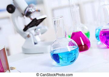 chimica, vetreria laboratorio, con, colore, liquidi