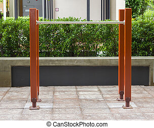 Chin Up Bars - Pull-up Bars in the garden