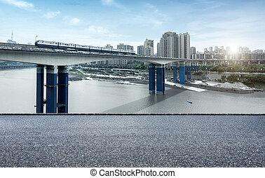 China Chongqing dimensional traffic - light rail moving on...