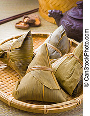 chinese dumplings on bamboo place mat