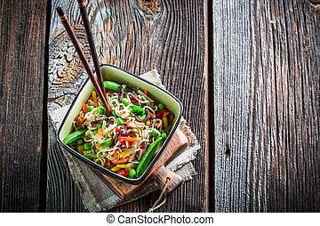 Chinese noodles and vegetables