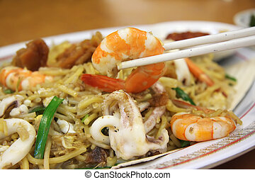 Chinese noodles - Chinese fried seafood noodles with prawns ...