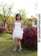 Chinesin im Fr?hling - Parkshooting