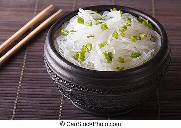 chino, celofán, tallarines, cicatrizarse, en, un, bowl., horizontal