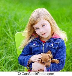 chiot, chouchou, chien, vert, blonds, girl, herbe, gosse