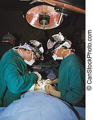 chirurgiens, opération, deux