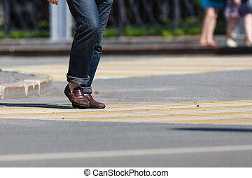 chiudere, camminare, strada, scarpe, su