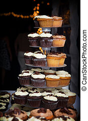 chocolate and vanilla wedding cupcakes