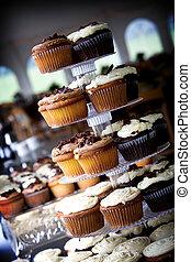 chocolate and vanilla wedding cupcakes
