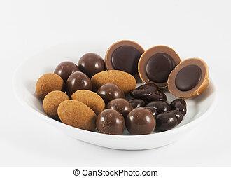 chocolate, bombons, ligado, um, prato branco