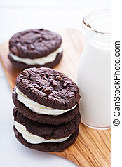 Chocolate brownie cookies with cream filling