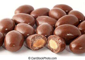 chocolate cobriu, amêndoas