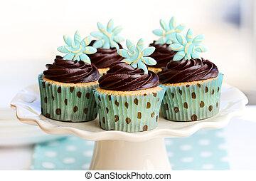 Chocolate cupcakes - Cakestand with chocolate cupcakes