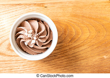 chocolate mousse in bowl