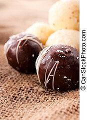 Chocolate praline - Chocolate and coconuts pralines