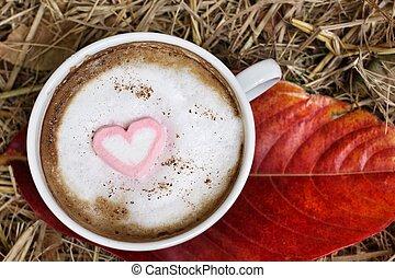 chocolate quente, com, coração, cor-de-rosa, marshmallow