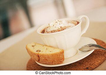chocolate quente, e, biscotti