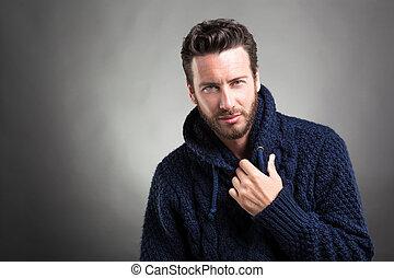 chodząc, błękitny, brodaty, sweter, człowiek