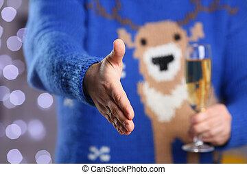 chodząc, błękitny, sweter, jeleń, ciepły, utrzymywać, ręka, człowiek