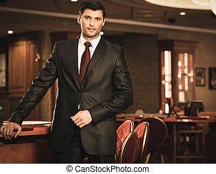 chodząc, brunetka, krawat, luksus, garnitur, wewnętrzny,...
