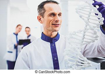 chodząc, medyczny pracownik, uszczęśliwiony, jednolity, portret