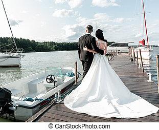 chodzenie, newlyweds, ferie, szczęśliwy, honeymoon., wypadki